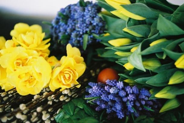 wiosenne kwiaty - dekoracje wielkanocne
