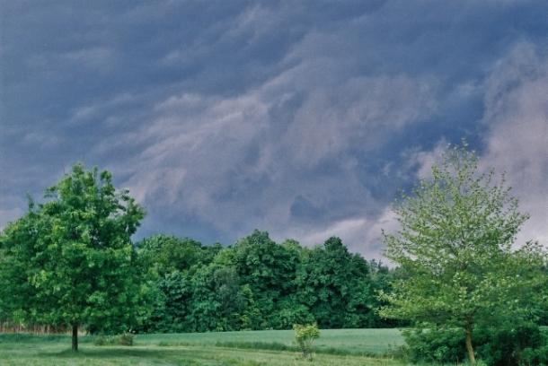 nadchodząca burza