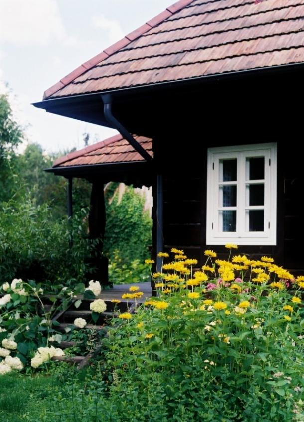 dom od strony kuchni